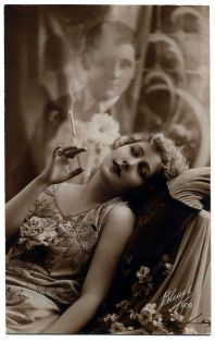 woman dreamin cigar